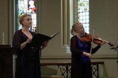 Rachel Talbot (Soprano) and Elina Hakanen (Voilin). Photo: A. Cras.